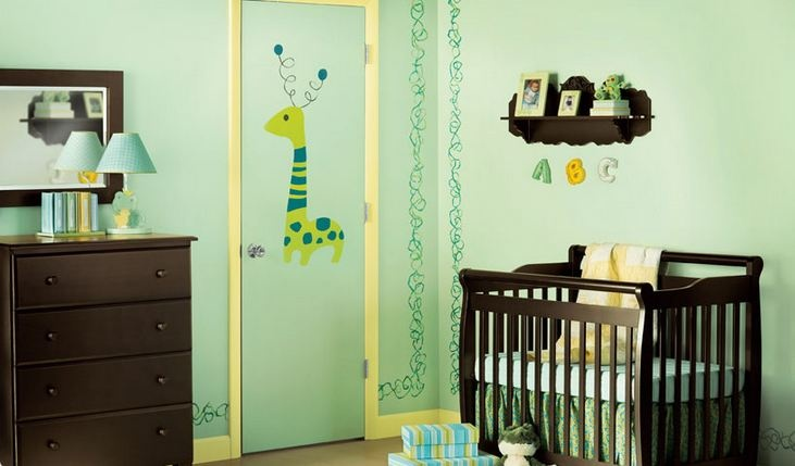 Use a variety of #greens in your child's room to create a fun, yet soothing feeling for your little one. (Dutch Boy Mini Moss DK21, Tropical Rain Forest DK91 and Inch Work DK45) #paint #color #nursery http://www.dutchboy.com/gallery/interiors/childrens-rooms/first-fun/index.jsp