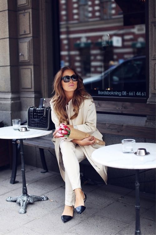 how elegant and beautiful, but still so comfortable and functional; I love the style of  French women