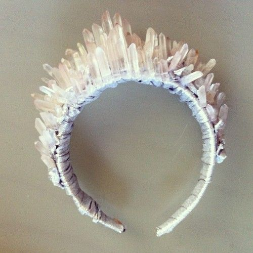 DIY Inspiration: Crystal Headband. By officialaudreykitching. I...