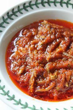 Azie Kitchen: Sambal Tumis Ikan Bilis Sebagai Lauk Nasi Lemak