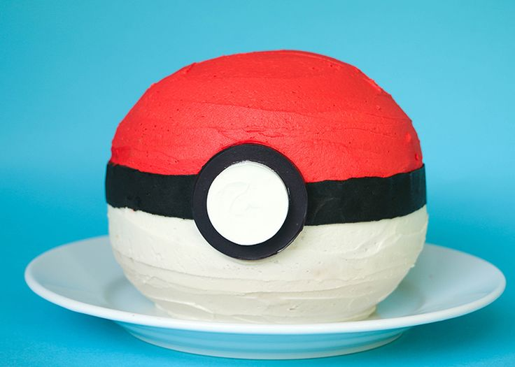 You may not catch any real Pokémon, but you're sure to catch the attention of Pokémon Go! fans with this impressive (but surprisingly simple) cake.