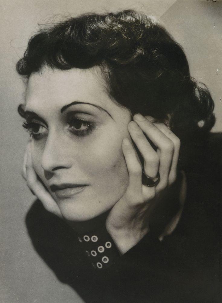 Dora Maar (1907 - 1997) - Sothebys PORTRAIT DE MADAME DE JOUVENEL, VERS 1930 SILVER PRINT, WITH THE DORA MAAR SALE 1998 (PIASA, PARIS) STAMP ON THE REVERS