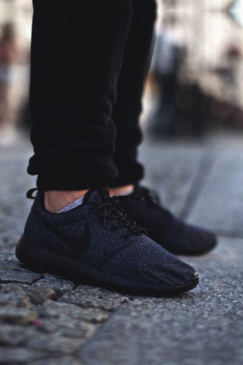 Womens Nike Roshe Run Woven   Casual Shoes
