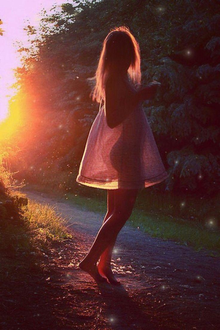 Картинка девушки на аватарку без лица