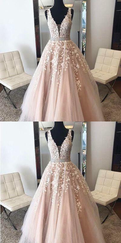 V-Ausschnitt appliziert Brautkleid, Open Back langes Abendkleid, Mode Gra – TheDr … – Andrina Laubstein Frau Blog