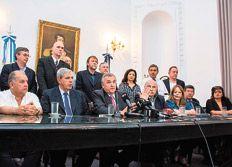 LA REFORMA JUDICIAL QUE APLICO GERARDO MORALES APENAS ASUMIO COMO GOBERNADOR DE JUJUY La independencia se quedó en el discurso Llevó el número de integrantes del Superior Tribunal de cinco a nueve y designó a dos diputados radicales que acababan de votar la ampliación y a un tercero que también fue legislador de la UCR. La hermana del vicegobernador fue designada en la Defensoría General.