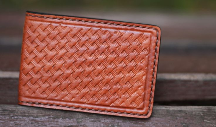 #TheHardSign #leatherwallet #tannedleathercarving #leathercraft    www.thehardsign.com  www.h-sign.ru