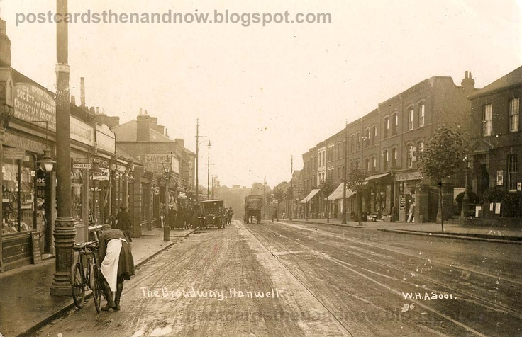 Hanwell Broadway in 1913