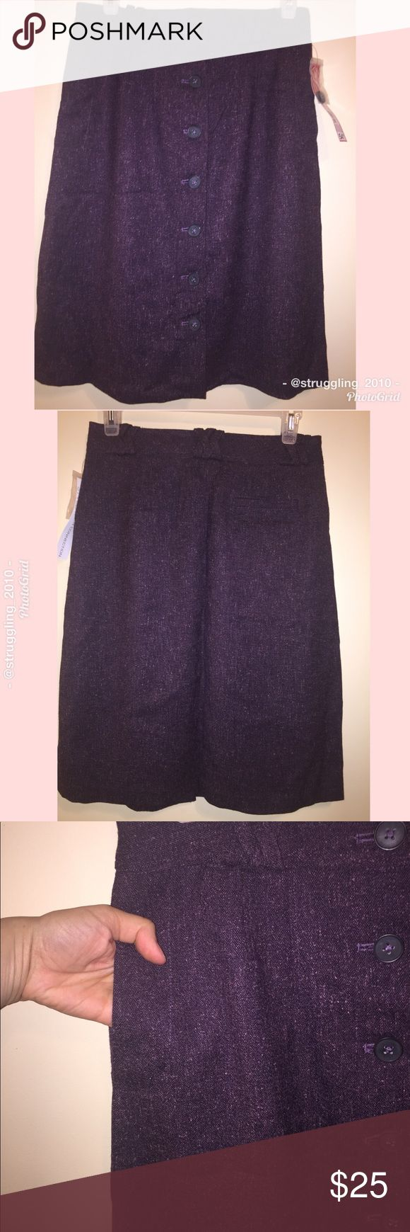 """🆕NWT French Connection Purple Skirt Brand new with tags & extra button, French Connection UK Style brand purple skirt tweed style w/ front button down style & crisscross belt loops. Color on label says plumb combo. Has side pockets. Back pocket functional but still stitched. Size 4. Approximate Measurements: waist 28"""" length 23"""". Accepting reasonable offers. Please ask any questions. No trades. French Connection Skirts Midi"""