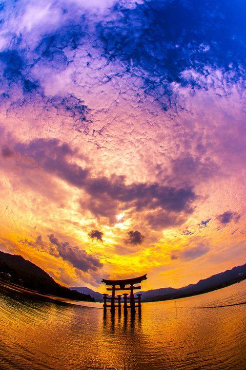 °jpn°  Hiroshima. Torii gate of Itsukushima Shrine.  (ZL)