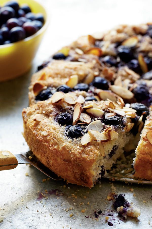 Thanksgiving Brunch Recipes: Blueberry Coffee Cake