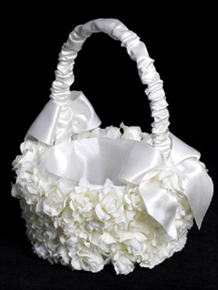 Whiter shade of pale basket: Rose, Vintage Flower Girls, Wedding Flower Girl, Flower Girl Basket, Wedding Ideas, Flower Baskets, Accessories