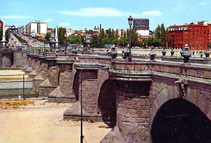 Puerta de Toledo antes de construir la M-30, Portal Fuenterrebollo