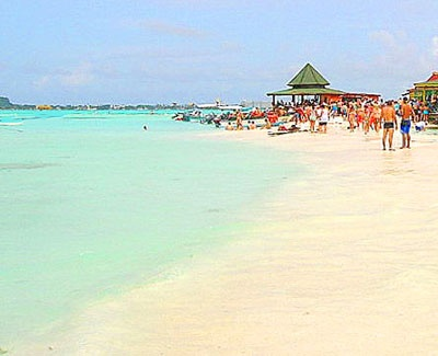 Playas con arena blanca y mar de los siete colores :D San Andres, Colombia #HosteriaMarySol