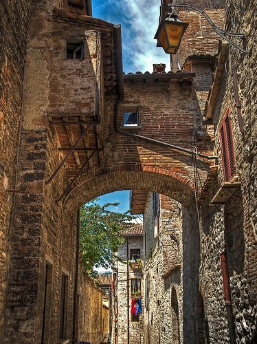 Alley in the medieval walled town of Gubbio, Italy