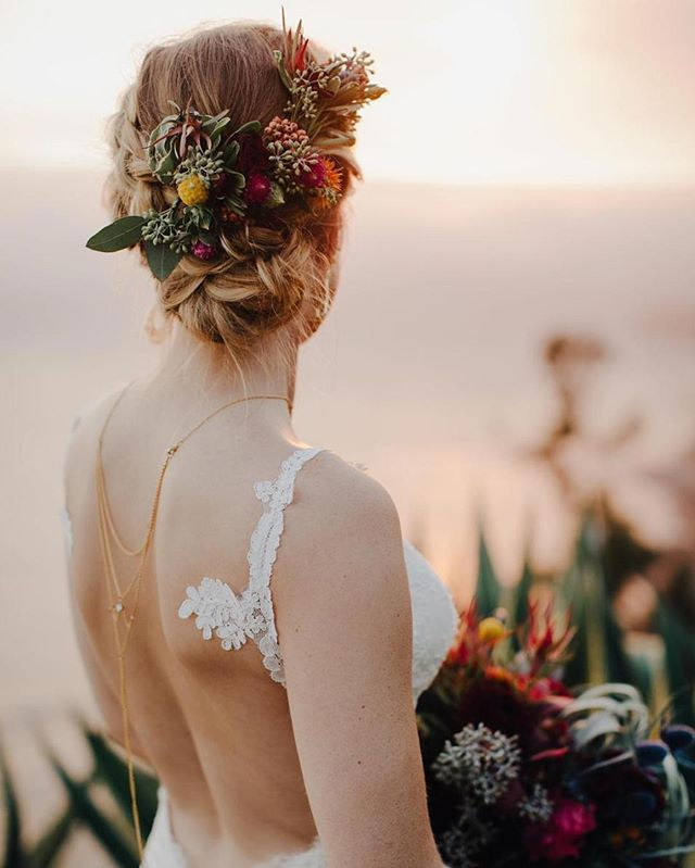 backless wedding gowns call for statement-makers like this Moon and Stars necklace from @delaluna.us . . photo @evynnlevalley floral @big_sur_flowers wedding dress @katiemaycollectionhair and makeup @skylaarts . . . #ruffledvendor #jewelry #weddingjewelry #fashion #style #beauty #bridalstyle #necklace #backnecklace #bride #backlessgown #weddingdress #goldenhour #weddingday #beachwedding #flowercrown #bigsurwedding #ohwowyes #pursuepretty #delaluna  Instagram Profile: @ruffledblog…