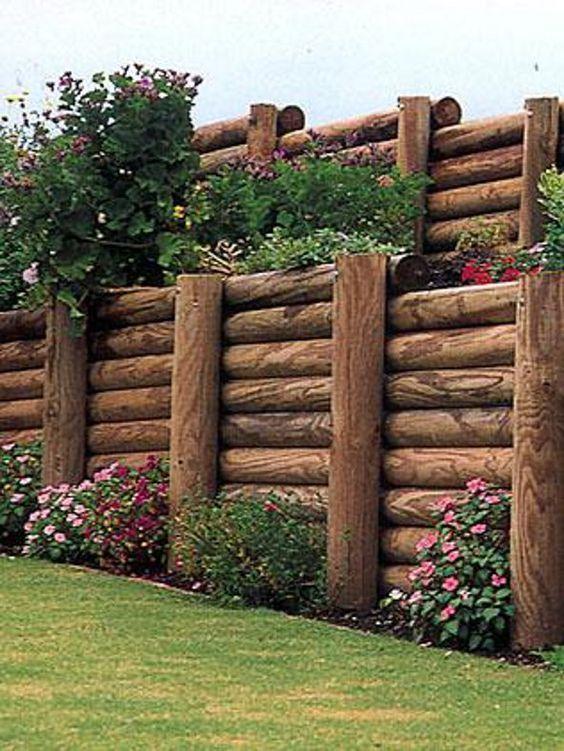 Resultado de imagem para muro feito com toras de eucalipto