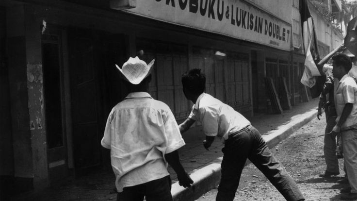 Indonesia cancels festival events marking 1965 mass killings - BBC News