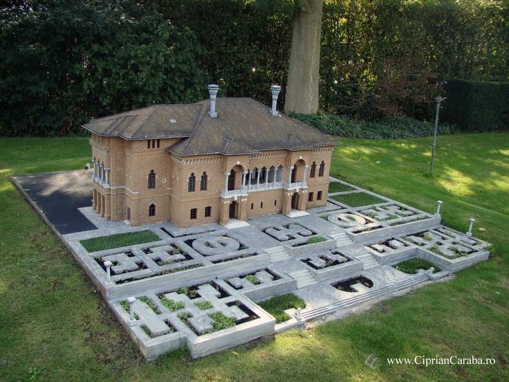 Palatul Mogosoaia in parcul Mini Europa din Bruxelles. http://www.cipriancaraba.ro/in-vizita-la-mini-europa/