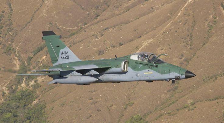 O caça/bombardeiro AMX entrou em operação com a FAB em 1989 (FAB)