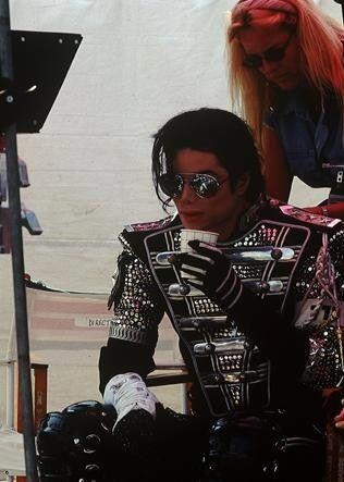 History Tour--taking a quick break :) sexy even just taking a break