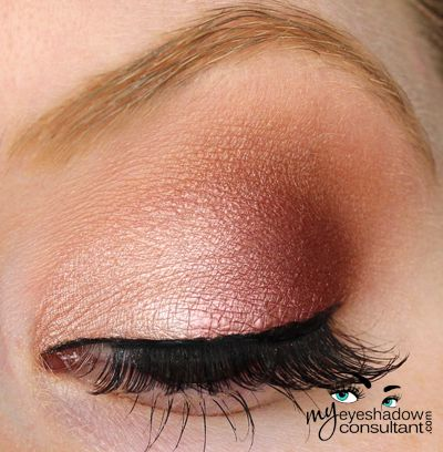Jest (inner half of lid) Cranberry (outer half of lid) Texture (crease) Blanc…