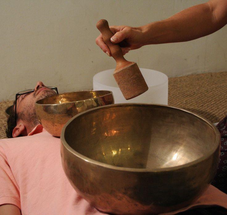 Soin avec les bols chantants tibétains par les sons et les vibrations #bol #chantant #singing #bowl