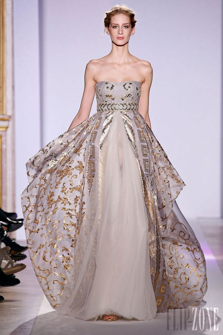 Zuhair Murad - Couture - Official pictures, S/S 2013 - http://en.flip-zone.com/fashion/couture-1/fashion-houses/zuhair-murad-3366 - Long baby doll dress in organza, baroques embroideries in gold thread.