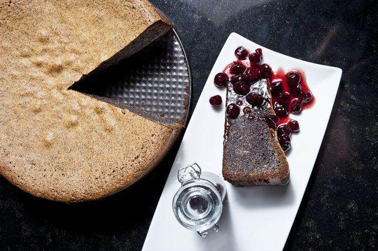 Przepis na tort makowy bez mąki: Wspaniały przepis na makową słodkość, bez użycia mąki. Zdjęcia mówią same za siebie!