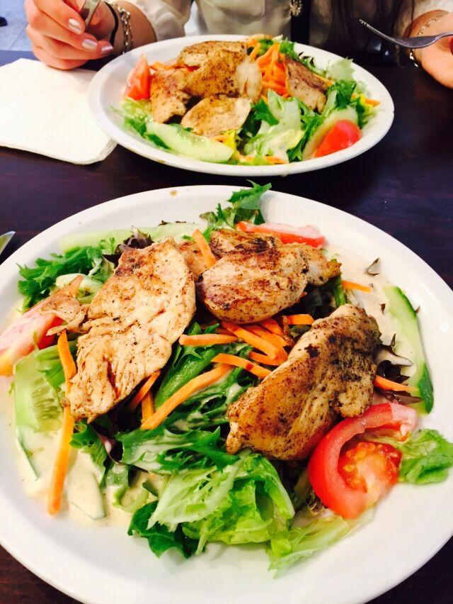 Healthy lunch inspiration: chicken filet salad