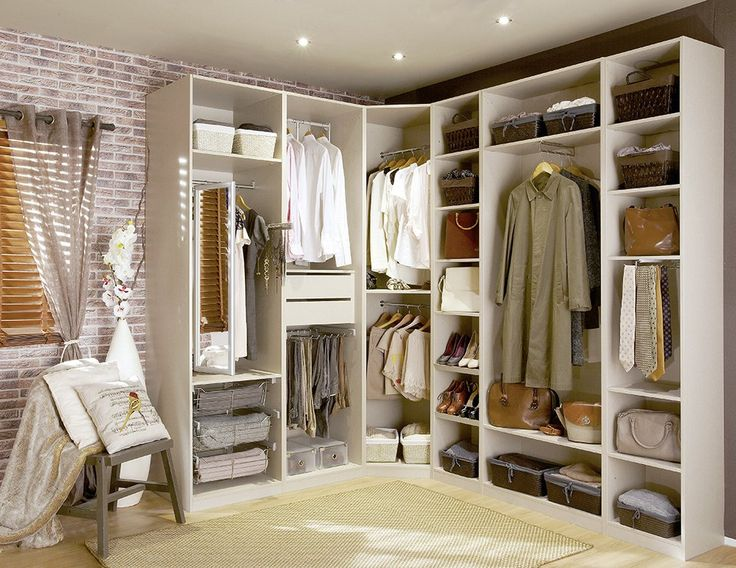 Como aprovechar el espacio de tus armarios - Muebles Montserrat Costa