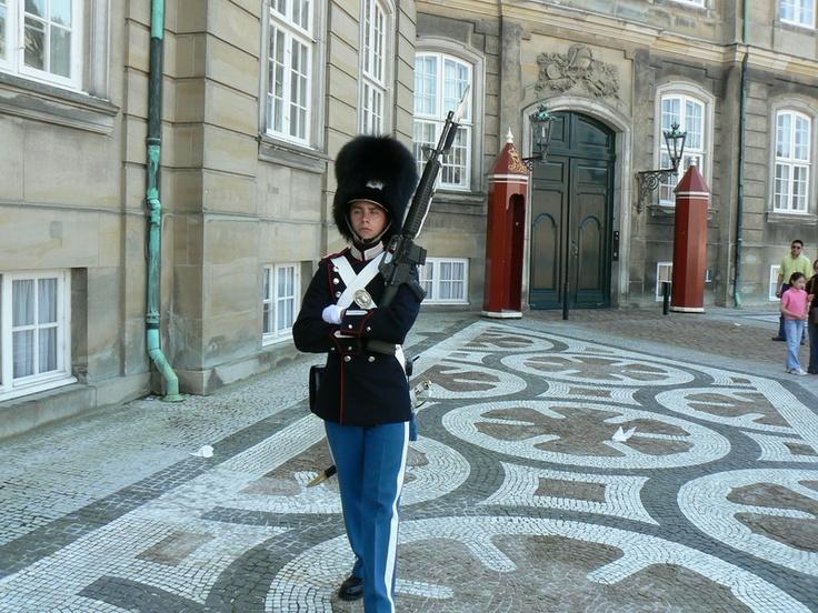 Guard @ Amalienborg, Kopenhagen