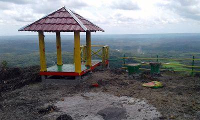 JOGMAG: Gardu Pandang Gunung Tunggak Yang Warna Warni