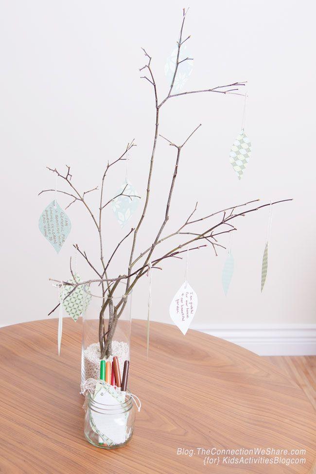 Make a Gratitude Tree for Kids - Learning to Be Thankful - http://kidsactivitiesblog.com/47813/gratitude-tree-for-kids