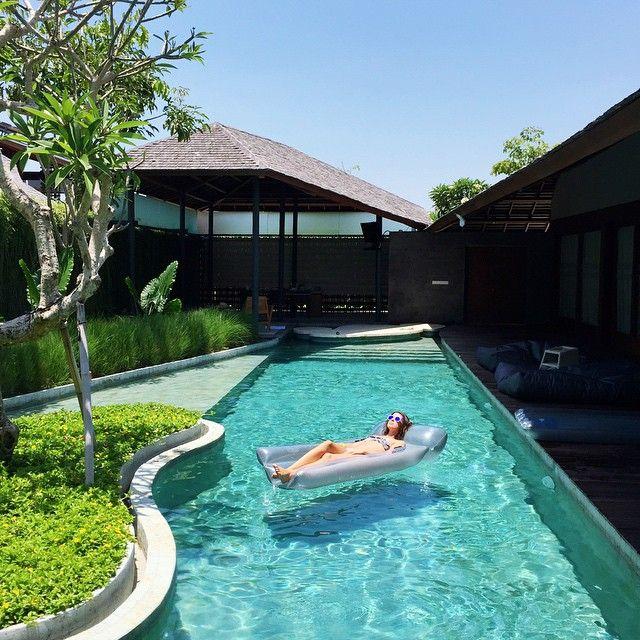 """Buh bye #thesantaiumalas #thesantai I wish I could be floating here forever  @theluxenomad #IamALuxeNomad #hppy #honeymoon #Bali"""