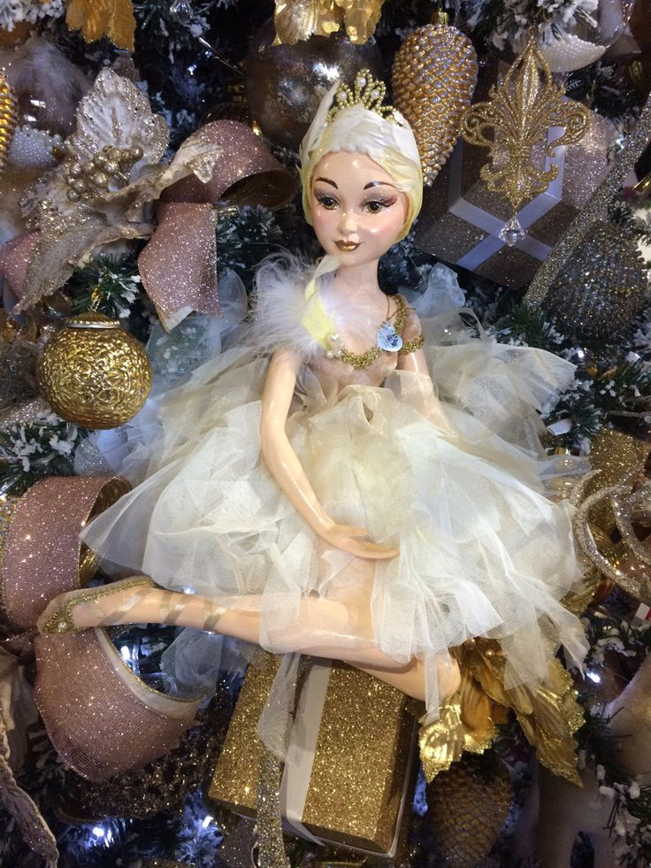 This 'Goodwill' ballerina looks gorgeous in this rose gold tree at Christmas Elves.