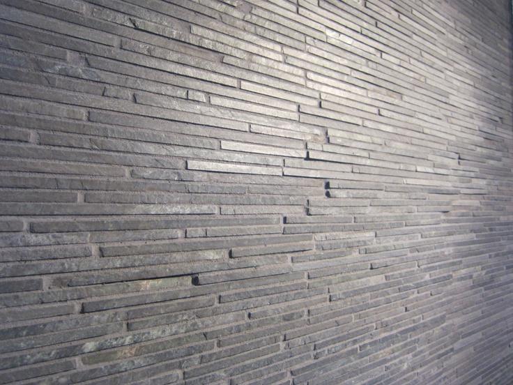 Skifer stavmosaikk til vegg. Perfekt til for eksempel brannmur.