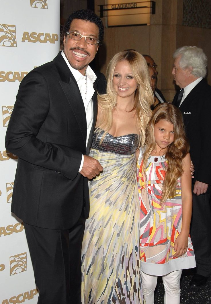 Lionel Richie and family