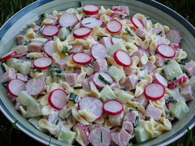 Monia miesza i gotuje: Wiosenna sałatka z rzodkiewką, ogórkiem i szczypiorkiem