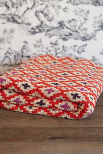 This pattern and color scheme is gorgeous! Fabulous inspiration here!