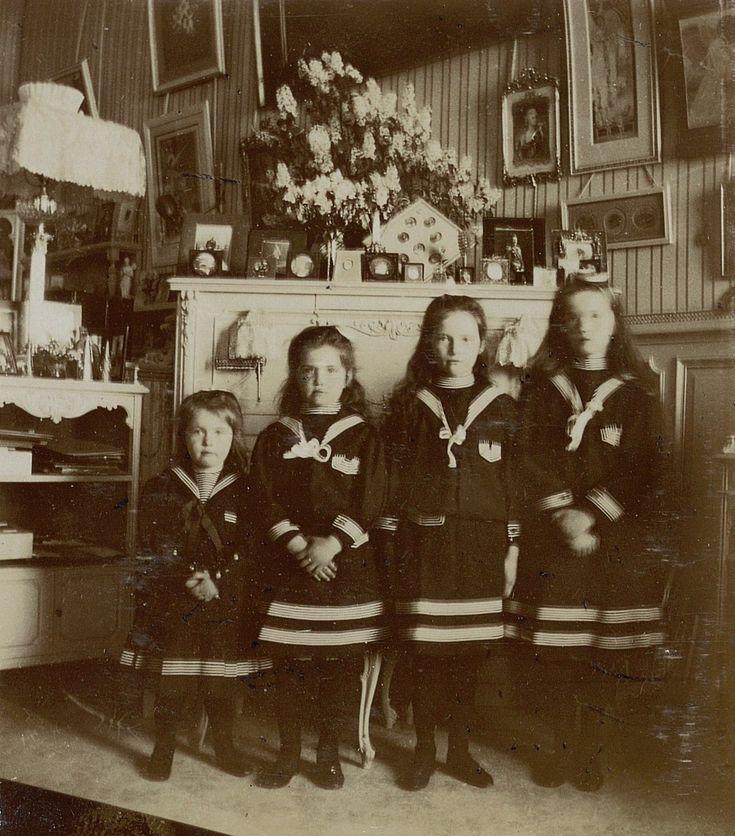 Anastasia, Maria, Tatiana and Olga in the Mauve Room at the Alexander Palace, 1905