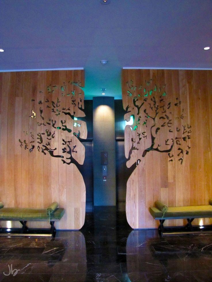 Der Gang zu dein Aufzügen im Avia Hotel in Napa, Kalifornien!