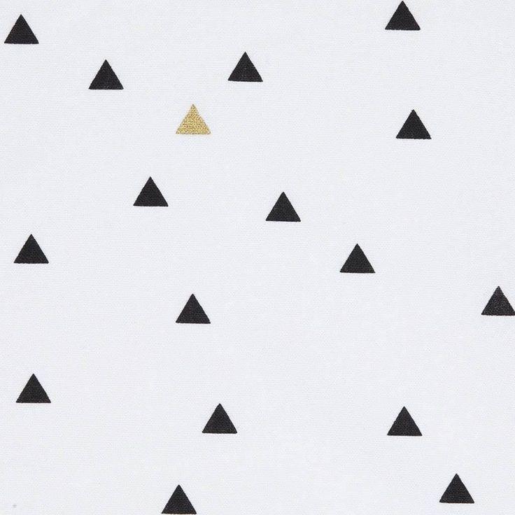 Les 25 meilleures id es de la cat gorie rideaux dor s sur for Rideau fenetre triangle