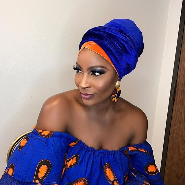 Had a fantastic time working with the Gele master himself Mr. @segungele who wrapped this turban to perfection and @orisevi on this gorgeous make up look!! Everything came together so effortlessly. I think I'll be rocking a turban everyday from now ☺️ he has them available in different colors so be sure to check out his page to purchase @segungele ..... earrings are from @nanawax and stunning dress made for me by my sis @therealrhonkefella osheeeee #picturesloading #slayage #turban…