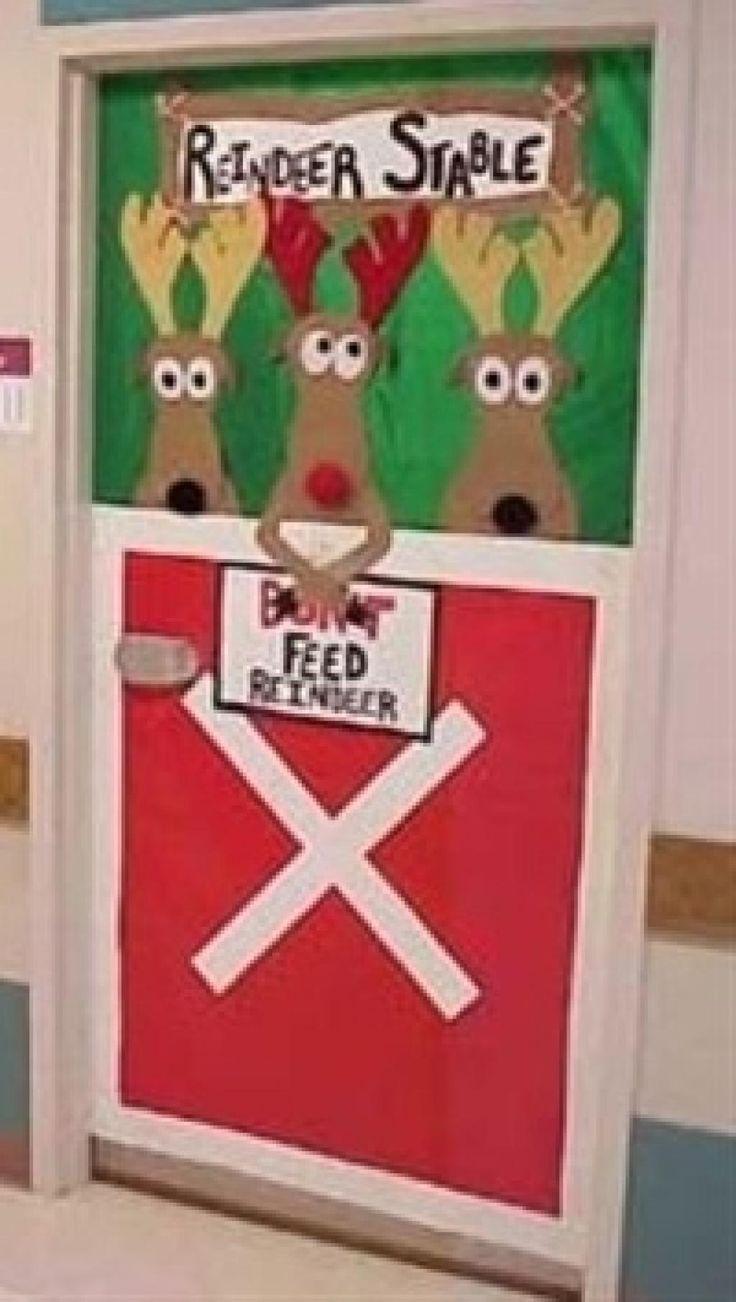 Ajoutez de la couleur aux corridors de l'école! Décorez les portes des classes et du local de service de garde avec les enfants! Avec de gros cartons, ou encore des nappes de plastique du magasins à 1$ vous pourrez recouvrir toute la porte, puis ajou
