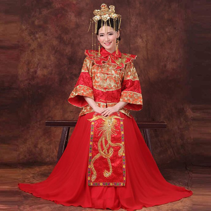 Superb Red traditional Chinese wedding dress with golden phoenix embroidery
