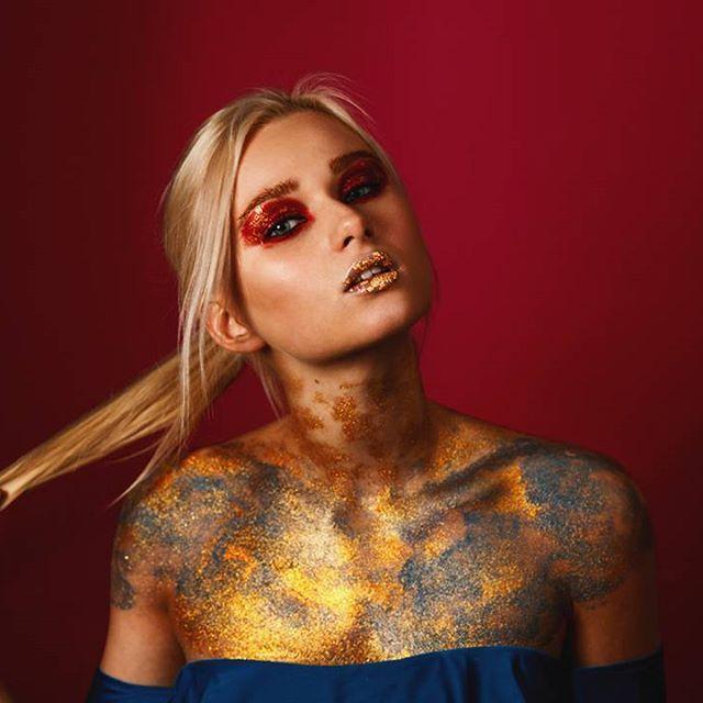 Доброй ночи, друзья! Давно хотел поснимать бьюти и вот результат.  beauty wildness by Roman Skan Модель @kristi_an_ Визаж @milavskaya0407  #romanskan #romanskanvideo #backstage #fashion #model #photoshoot #beauty #photographer #instafashion #fashionmodel #style #colors #фотограф #фотографспб #спб #фотостудия #инстамир #фотографирую #попкорнфотостудия #popcornstudio