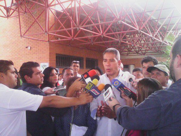 """@FEdumedia : RT @ColombeiaTV: Las normas de tránsito serán el tema de hoy en """"Tricolor"""" #Ahora por @ColombeiaTV"""