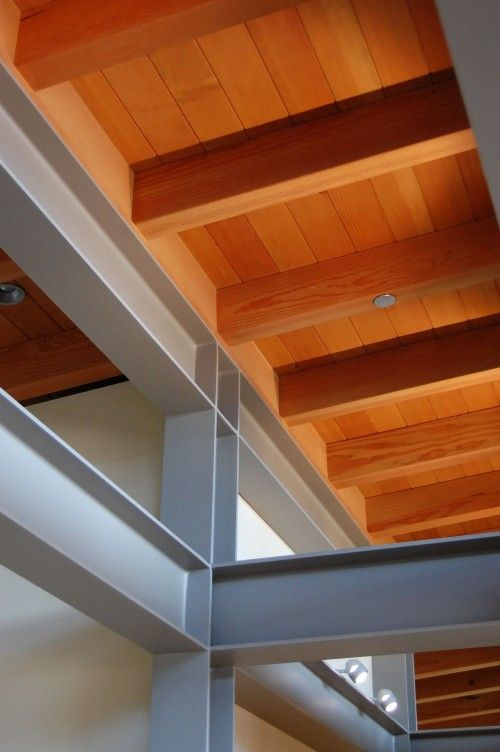 Look at the detail here, almost perfect! That's how you want metal work to look on the inside of your modern house!