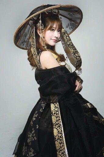 #hanbok #modernhanbok #korea #korean By cosplayer yurisa♡